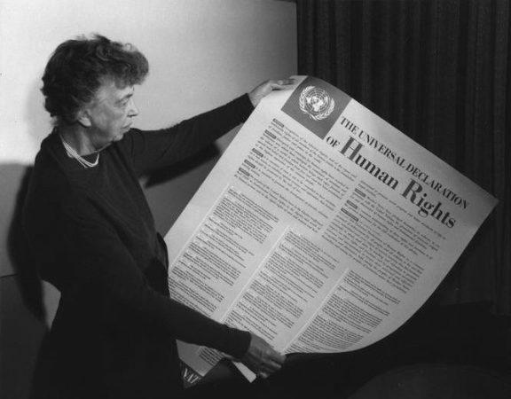 eleanor-roosevelt_emberi-jogok-egyetemes-nyilatkozata